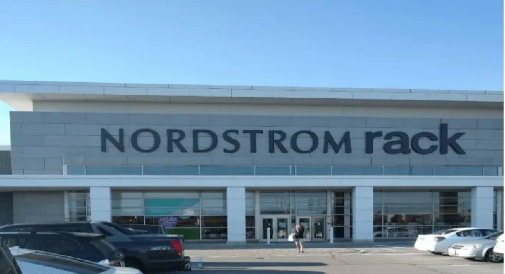 Nordstrom-Rack-Store-1